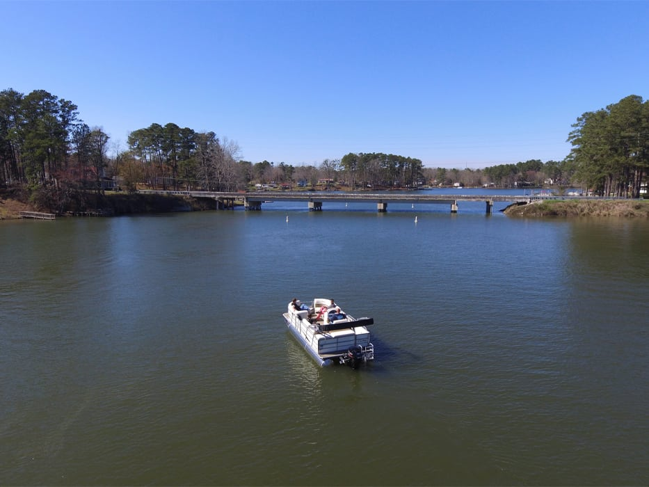 Rent a boat on Lake Murray